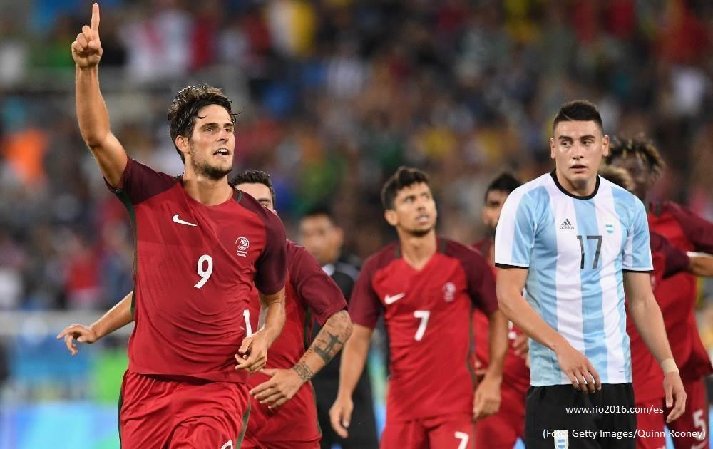 Victoria 2-0 de Portugal sobre Argentina