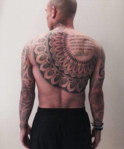 NIGEL DE JONG Los tatuajes de los deportistas más sexis