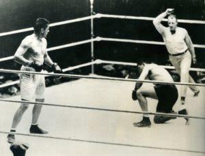 Tunney envía a la lona a Dempsey Campeones de los Pesos Pesados (I) : De Jack Dempsey a Joe Louis (1919-1949)