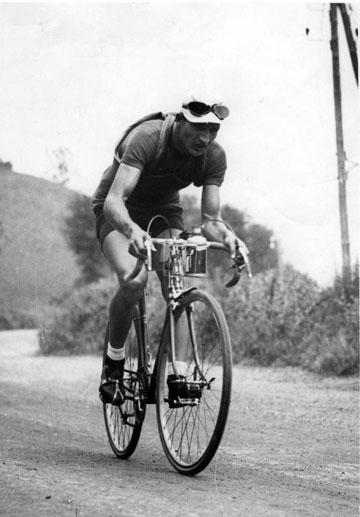 Gino Bartali Los 7 Mejores Ciclistas de la Historia del Tour de Francia