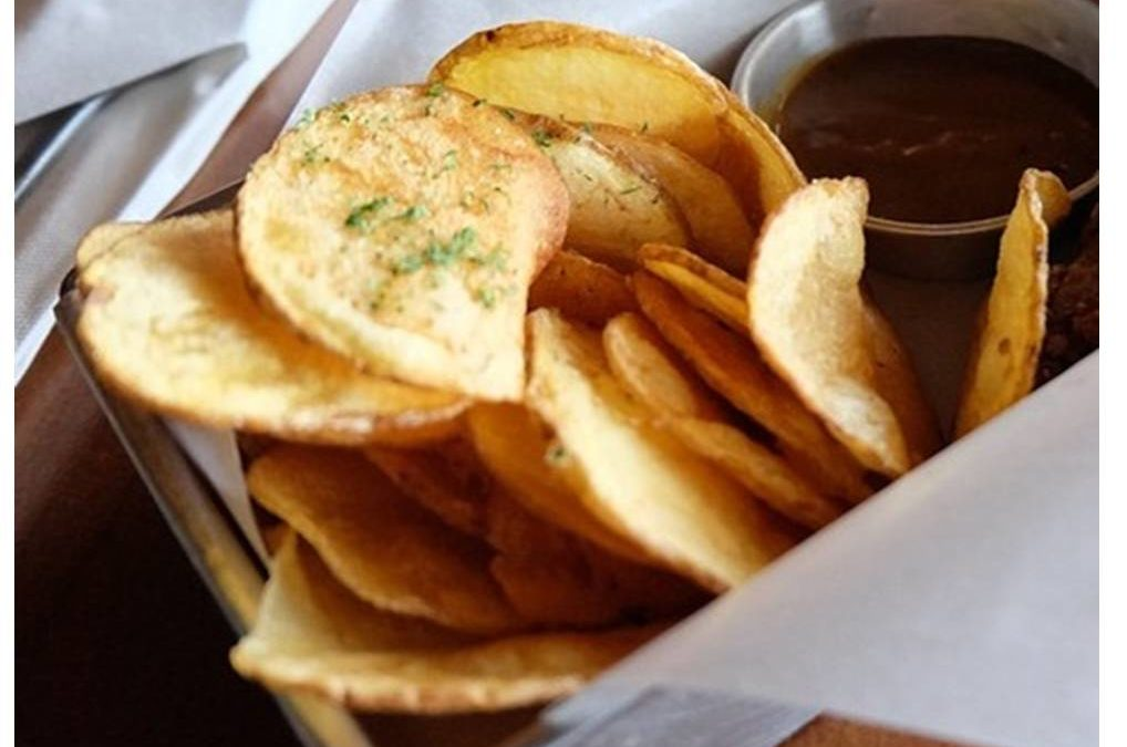 Cómo hacer patatas fritas más saludable, crujientes y ligeras en menos de 20 min