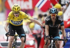 Chris Froome agradeciendo a Richie Porte su ayuda en el Tour de 2013, ¿ Qué le pasa a Chris Froome en el Tour de Francia de 2017 ?