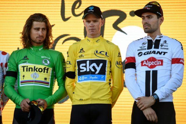 Sagan, Froome y Dumoulin en el podio del Tour de Francia 2016, Sagan, Froome y Dumoulin en el podio del Tour de Francia 2016. Ese día Dumoulin sacó 1:03 a Froome en la crono de 44 Km, ¿ Derrotará Tom Dumoulin a Chris Froome en el Tour de Francia 2018 ?